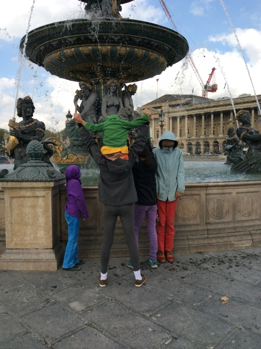 Kids at fountain, Paris