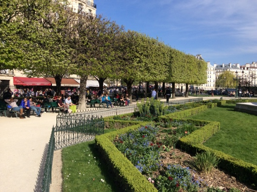 Get out of the museums and enjoy the sun! (Park behind Notre Dame de Paris)