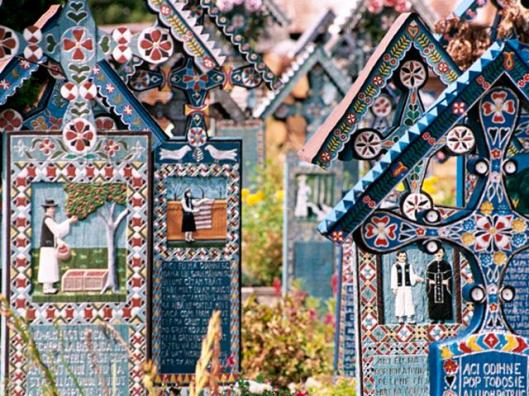 Merry cemetery, one of the most fascinating places on earth, Romania (happytraveller.ro)