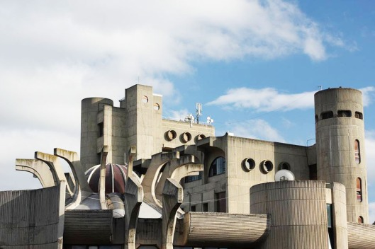 Brutalist architecture at its wacky finest.  What Canada's National Arts Centre could have looked like with a bit of creativity.  Central Post Office in Skopje (photo by Janko Konstantinov)