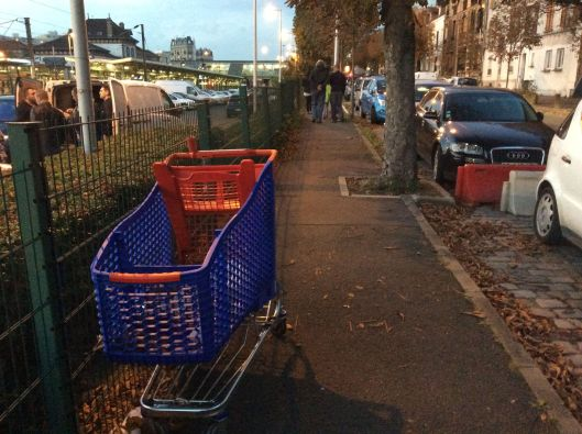 We could have used this trolley once we went through security (grocery cart, Rosny sous Bois)