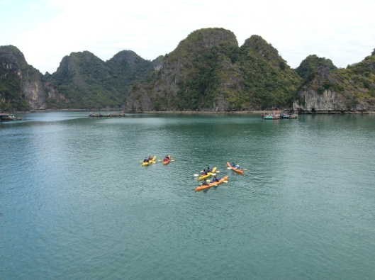 Sea kayaking, Halong Bay (Vietnam)