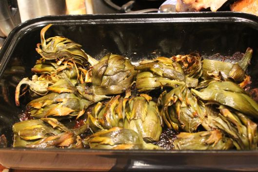 A big pan of roasted sparrows?  Nope.  These be artichokes.