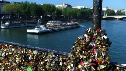 Locks on Pont des Arts, April 2014 (photo by mashable.com)